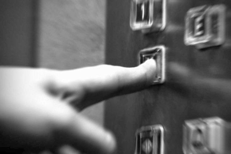 Conversa en un ascensor es más peligrosa que el ataque de piratas informáticos